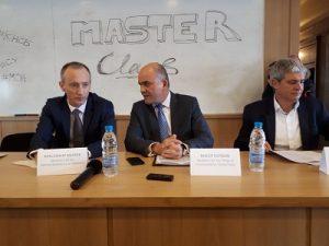 Министър Петков: Бъдещето на пазара на труда ще е базирано не на професиите, а на уменията